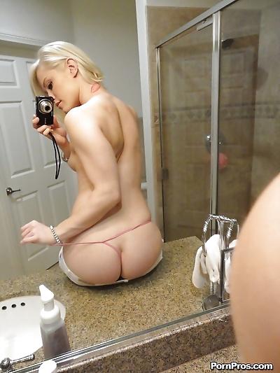 Young blonde hottie Ash..