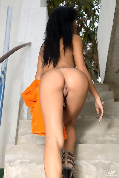 Beautiful Latina Denisse..