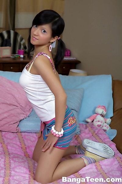 Cute teen gets cum on her..